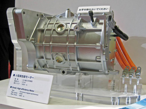 Moteur synchrone Meidensha pour Mitsubishi iMiEV Sport à aimants permanents 47 kW - couple maximum 180 N-m - Source Wikimedia Commons