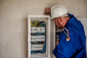 Où apprend-t-on encore l'électricité?